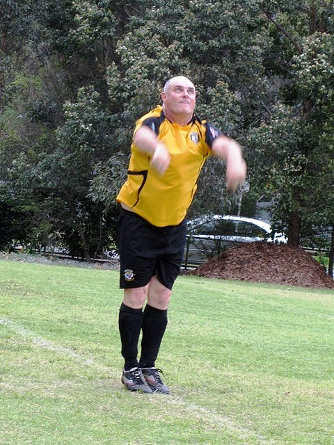 John Simmons Throw-in - 45-1's Grand Finall 2011